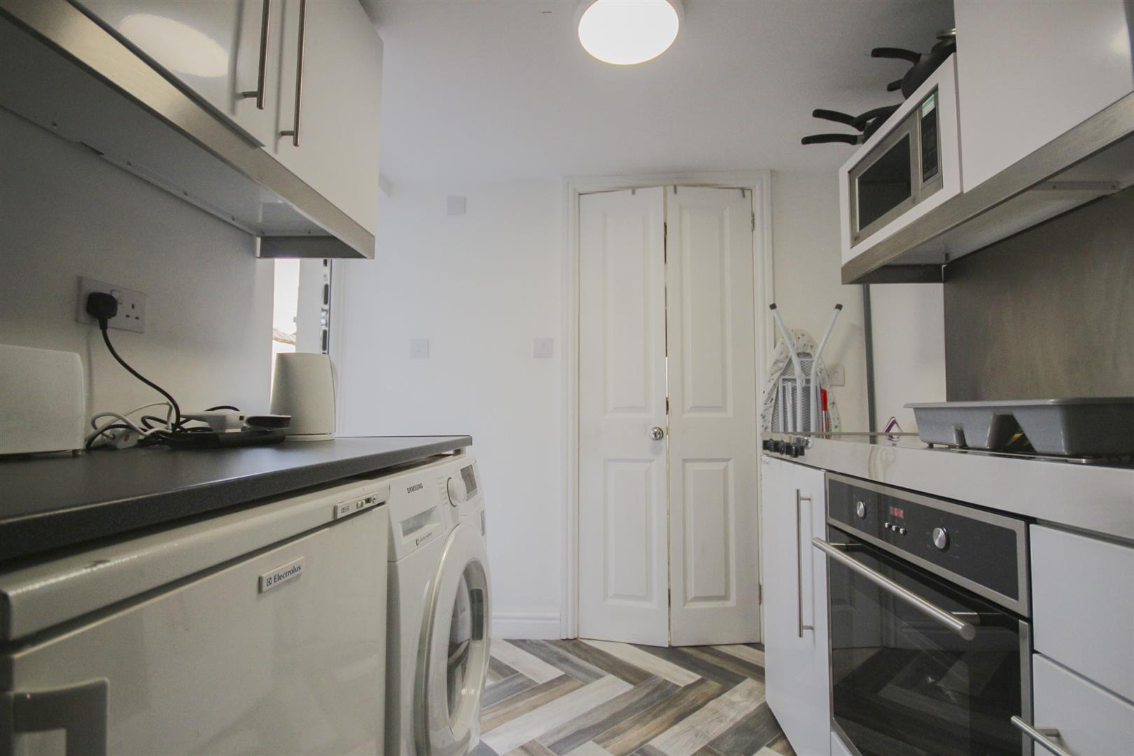 5 Bedroom Mid Terrace House For Sale - Edit_1.jpg